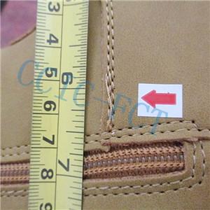 Inspecció de qualitat de les sabates